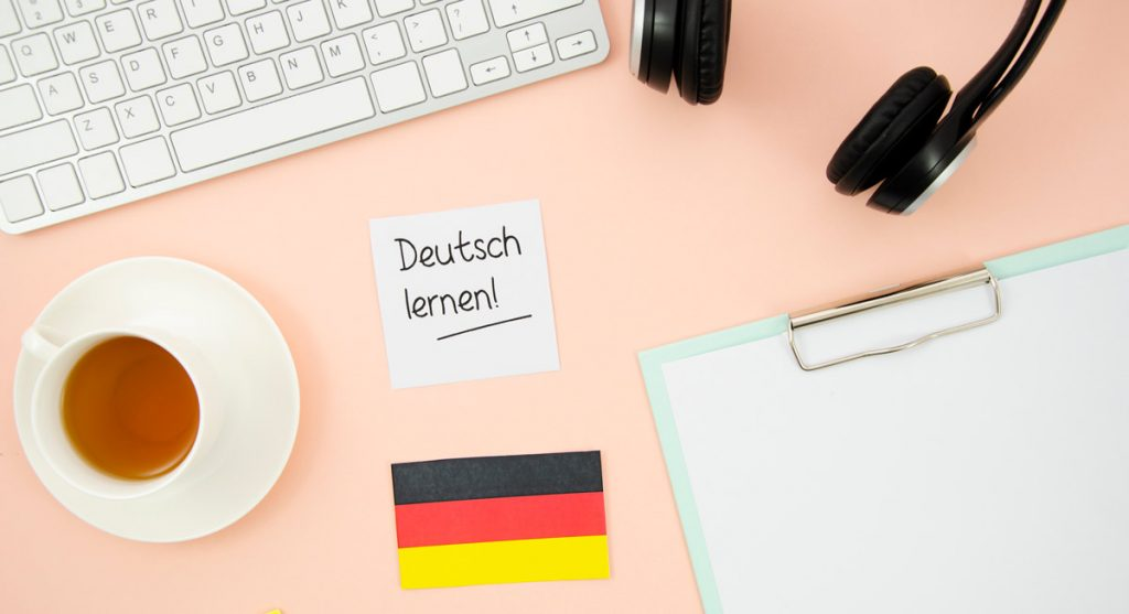 Different learning objects with german flag.